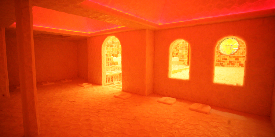 crystal_illuminated_salt_room_img03